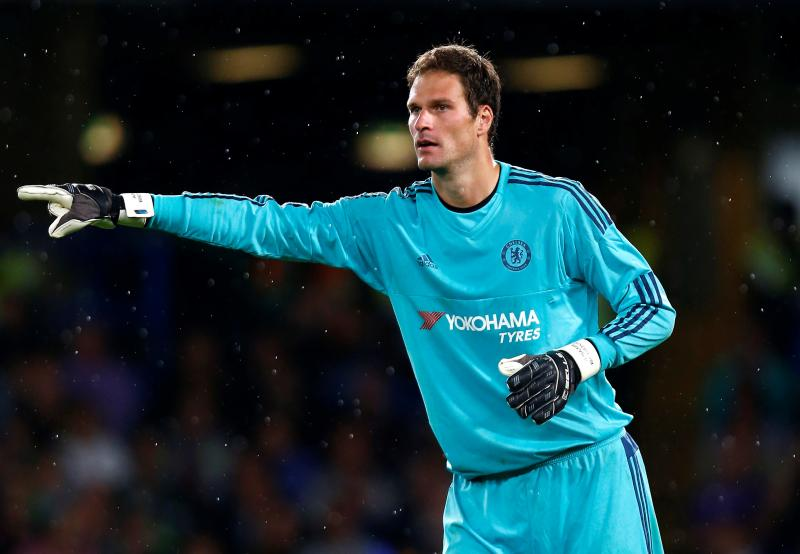 Begovic ganti Cech? Seriously?