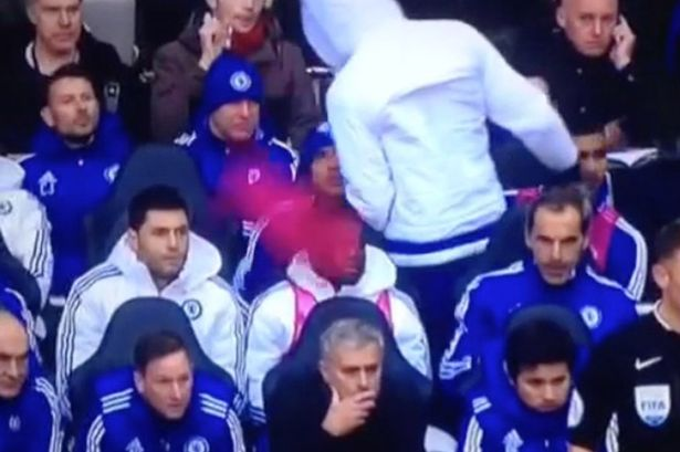 Diego-Costa-throws-his-bib-towards-Jose-Mourinho