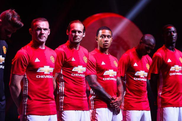 Manchester-United-official-201617-kit-launch-in-China