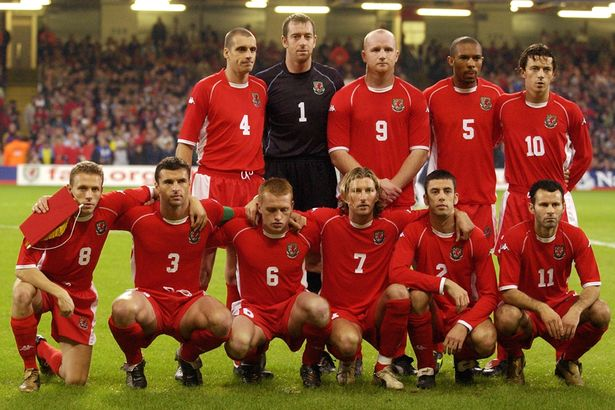 2002 | Gambar : Mirror Football