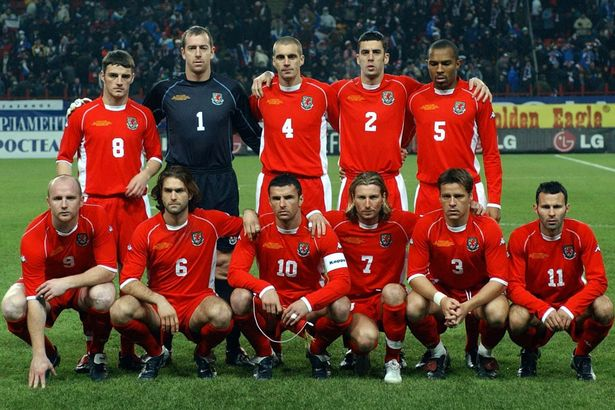 2003 | Gambar : Mirror Football