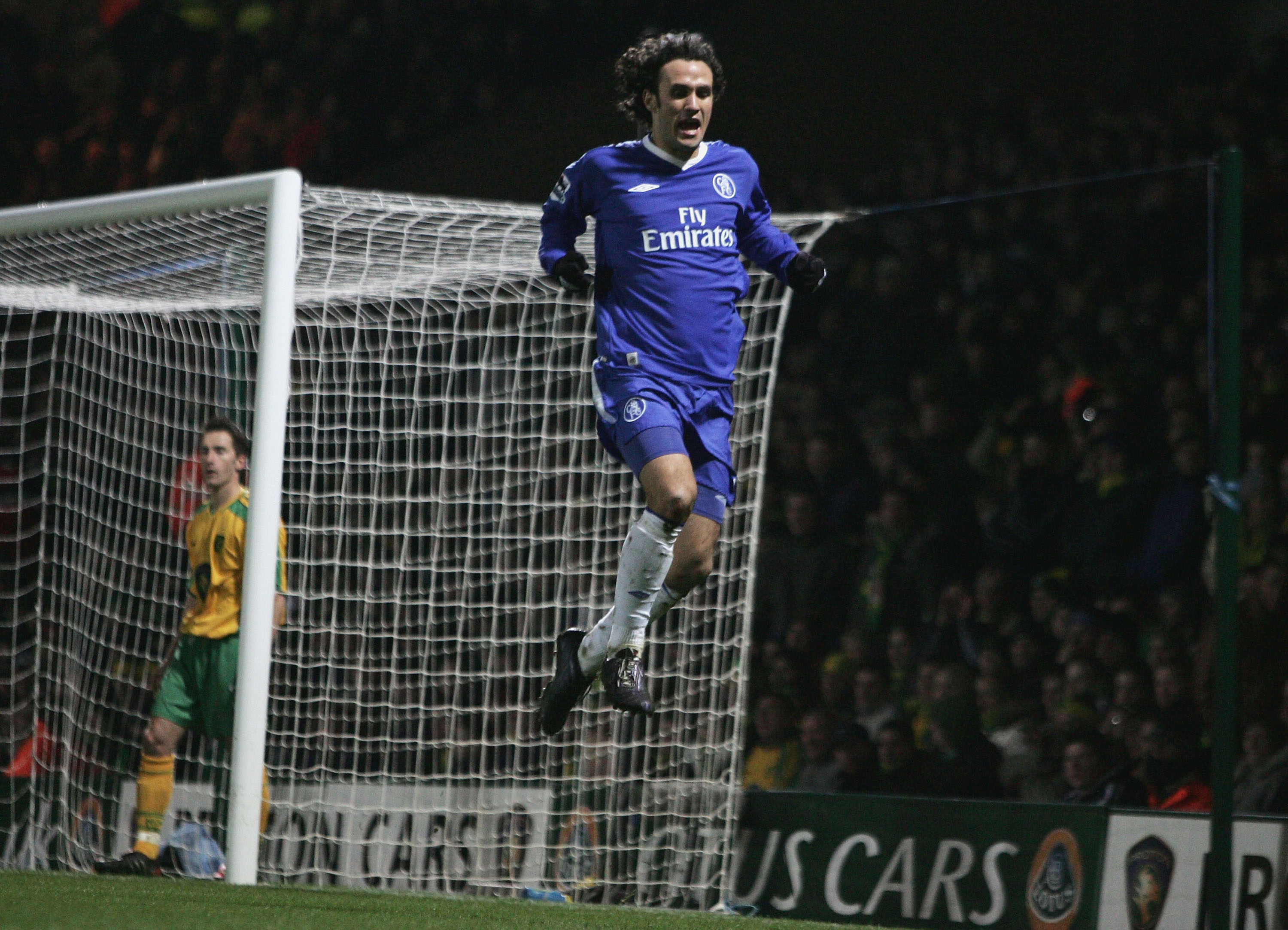 NORWICH, ENGLAND - MARCH 5: Ricardo Carvalho of Chelsea celebrates his goal during the Barclays Premiership match between Norwich City and Chelsea at Carrow Road on March 5, 2005 in Norwich, England. (Photo by Jamie McDonald/Getty Images)